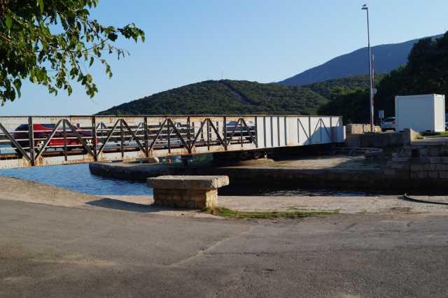 Urlaub mit dem Boot in Osor am Kanal Kavada zwischen Cres und Losinj