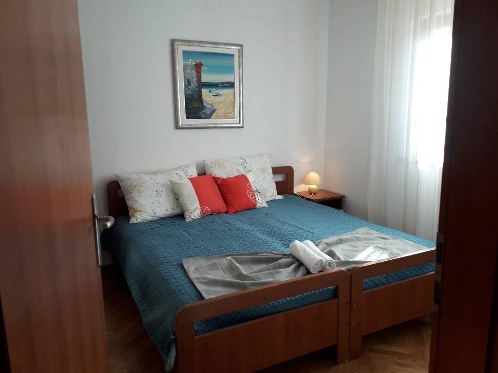 Atostogoms nuomojami butai Schönes neu renoviertes Ferienhaus mit großem Balkon, Küche mit Wohnzimmer, Schlafzimmer und WC, Pula, Pula Istrien Südküste Kroatija