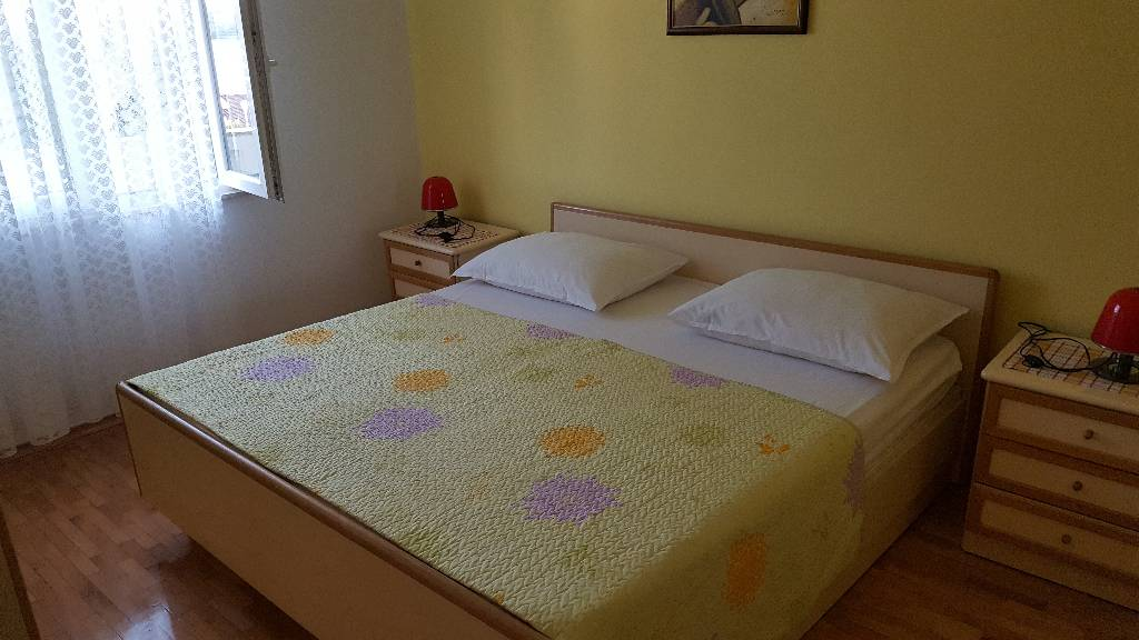 prázdninový  byt App ima 2 spavaće sobe, 5 ležaja, dnevnu sobu,kuhinju , kupatilo, veliki balkon sa pogledom na more,, Kustici, Insel Pag Norddalmatien Chorvátsko