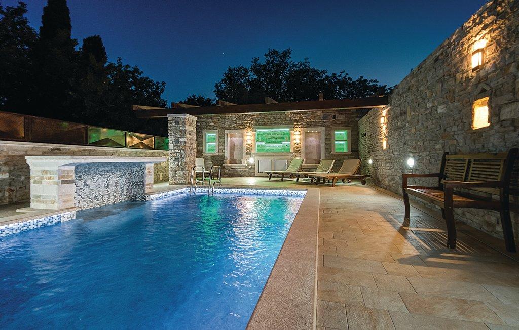 Atostogoms nuomojami namai Ferienhaus in Zentral Istrien, pool mit Elektrolyse, gas grill, free WiFi, relax, Waldlandschaft, Rajki, Barban Istrien Zentral Kroatija