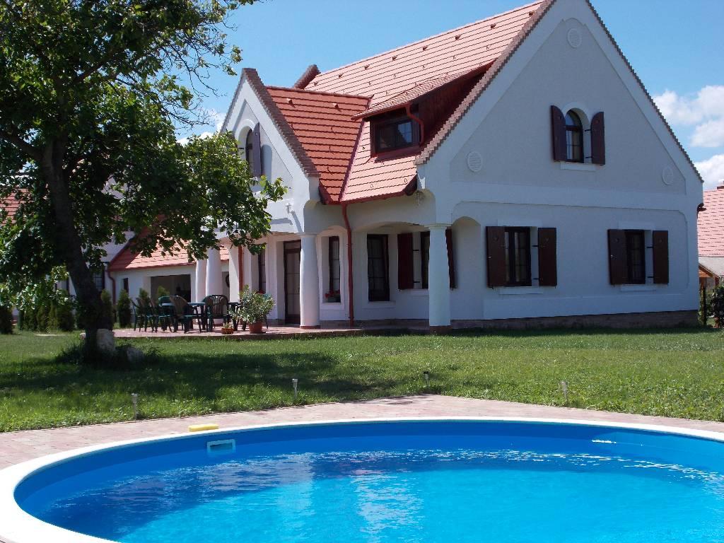 Stimmungsvolles Bauernhaus am Balaton-Oberland mit Pool bis zu 17 Personen, Nagyvázsony, Balaton-Nordufer Plattensee-Balaton Maďarsko