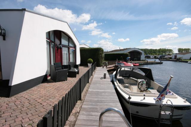 Casa di vacanze Bungalow am Wasser mit Bootssteg, Lemmer, Lemmer Friesland Paesi Bassi