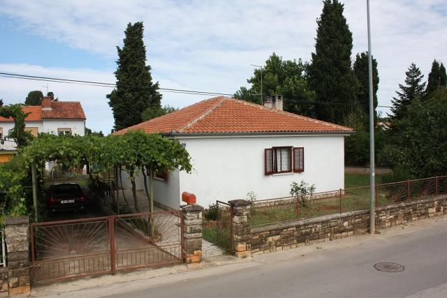 dom letniskowy N.17 ( 6+2 ) 250 m vom Kiesstrand, Fazana, Fazana Istrien Südküste Chorwacja