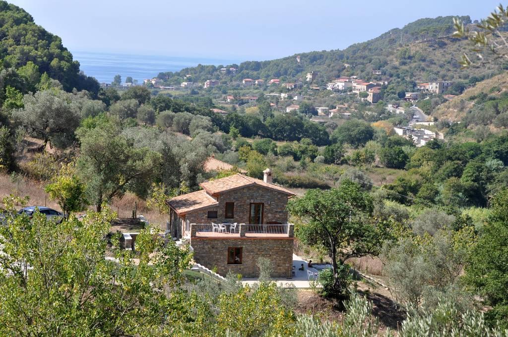 dom letniskowy Casa Bellavista ist für 10 Pers. und hat eine großartige, ruhige Panoramalage mit Meerblick, Montecorice (SA), Salerno Kampanien Wlochy