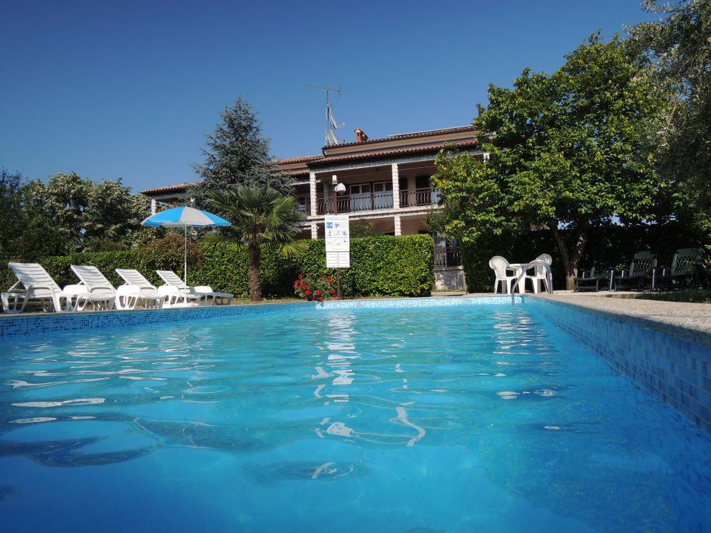 Ferienhaus in porec porec mit klimaanlage - Pool salzwasser ...
