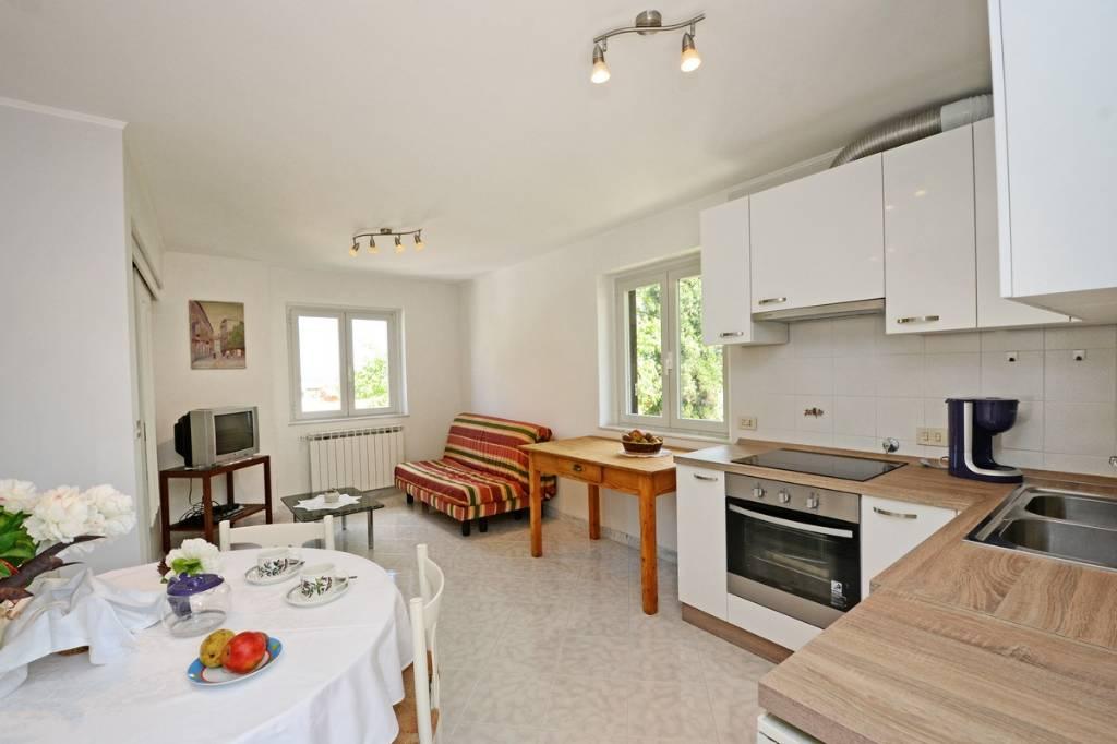 """Maison de vacances Villa """"DESY"""", im Zentrum der malerischen Stadt Tar in der Nähe von Poreč Oase der Ruhe in den grünen, TAR-VABRIGA, Tar-Vabriga Istrien Nordküste Kroatie"""