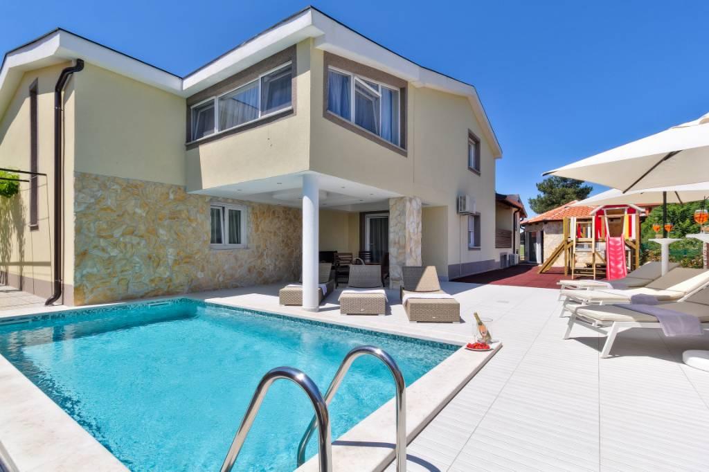 Atostogoms nuomojami namai Ferienhaus »Illy« für 8 Personen mit privatem Swimming Pool, Buje, Umag Istrien Nordküste Kroatija