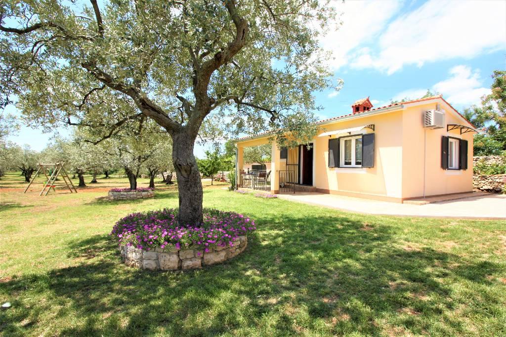 Maison de vacances Gemütliches Ferienhaus in Olivenoase, Fazana, Fazana Istrien Südküste Kroatie
