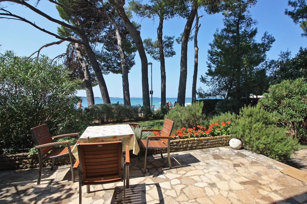 Casa di vacanze 5 m vom Kiesstrand, exkluzive Lage, Fazana, Fazana Istrien Südküste Croazia