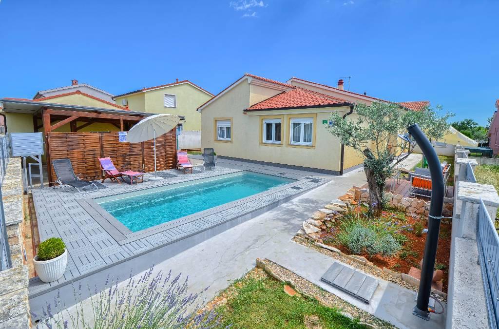 prázdninový dom FERIENHAUS MIT PRIVATEN POLL NOVAKI, Pula, Pula Istrien Südküste Chorvátsko