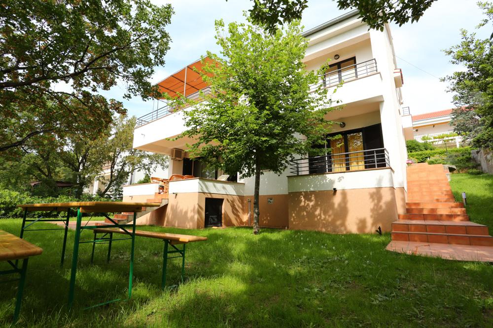 prázdninový dom Das Haus besteht aus 4 separaten Wohnungen, in denen wir insgesamt 20 Personen unterbringen können., Klenovica, Novi Vinodolski Kvarner Bucht Festland Chorvátsko