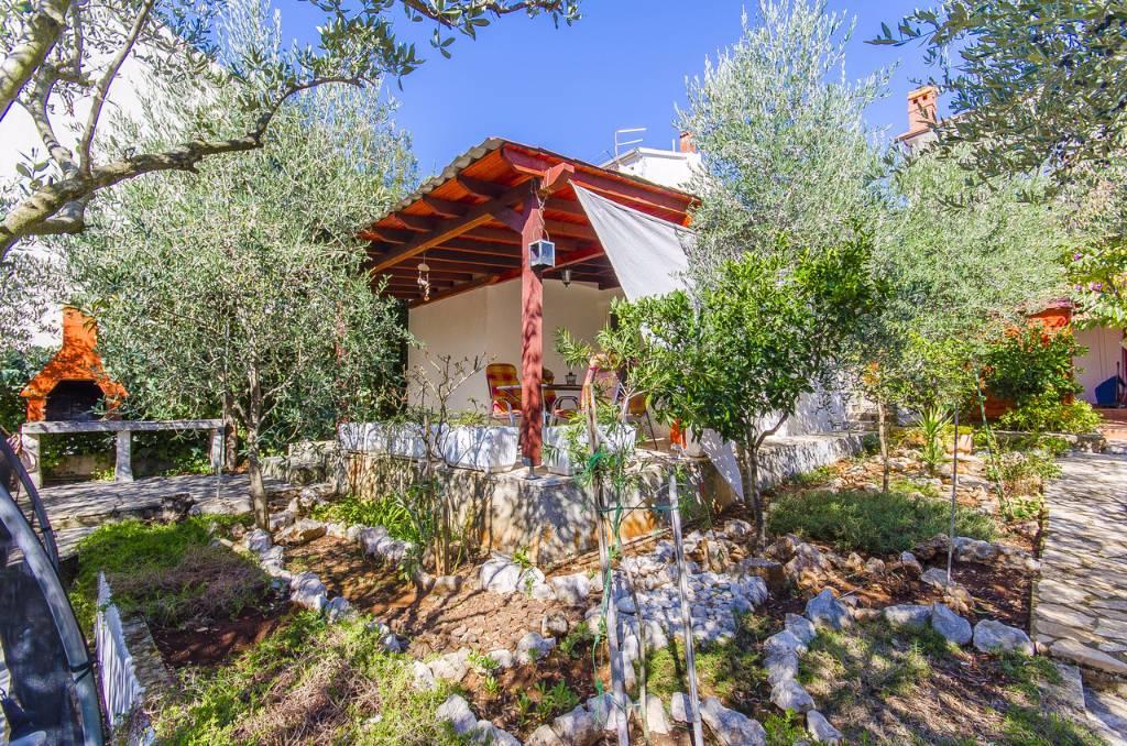 Chata, chalupa Unseres freistehendes Traumhaus Olive, mit einen Wohnflaeche von 36 m2, befindet sich auf einen 500, Stari Grad, Insel Hvar Mitteldalmatien Chorvatsko