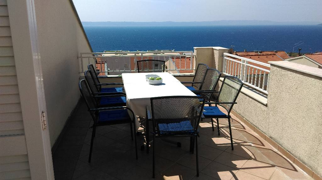 Atostogoms nuomojami namai Apartment mit einer fantastischen Aussicht und eine große Terrasse, Makarska, Makarska Riviera Mitteldalmatien Kroatija