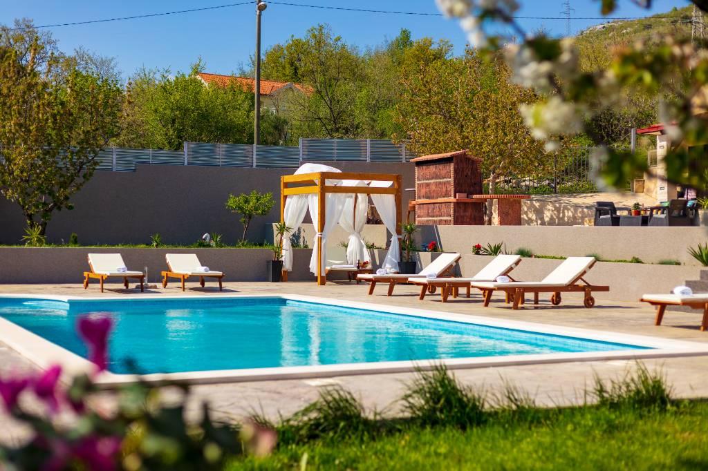 prázdninový dom Ferienhaus mit großem Garten und Pool. Ruhe, Erholung, Gemütlichkeit, Naklice, Omis Mitteldalmatien Chorvátsko