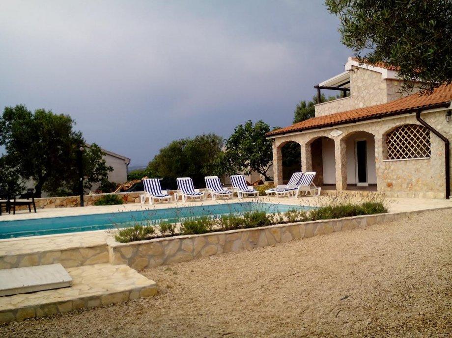 Maison de vacances Entspannen Sie in Frieden, Ruhe und wunderschön sauberes Meer. Es hat ein ausgezeichnetes Mikroklima, Drvenik Mali, Trogir Mitteldalmatien Kroatie