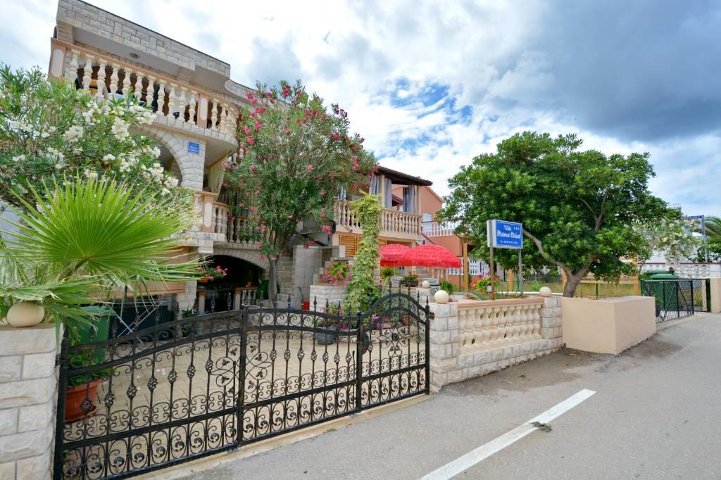 prázdninový  byt Ferienvilla Villa Mama Mica, mit 4 App, ideal für Familienurlaube, Vir, Insel Vir Norddalmatien Chorvátsko