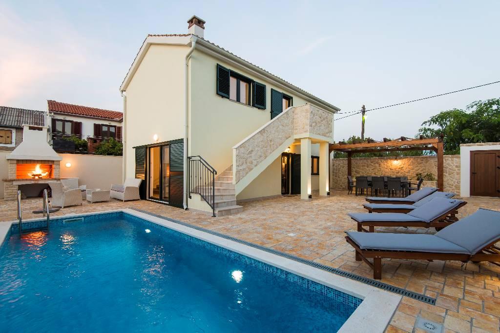 Atostogoms nuomojami namai Posve nova kuća za odmor s privatnim bazenom,na obronku iznad centra Vinjerca,izvan turističke vreve, Vinjerac, Zunići, Paklenica Norddalmatien Kroatija