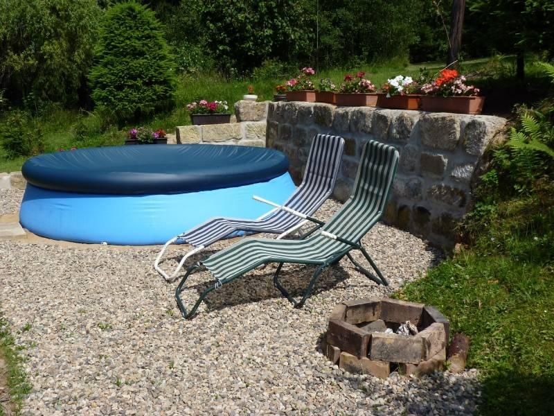 ferienhaus in jetrichovice b hmische schweiz mit pool. Black Bedroom Furniture Sets. Home Design Ideas