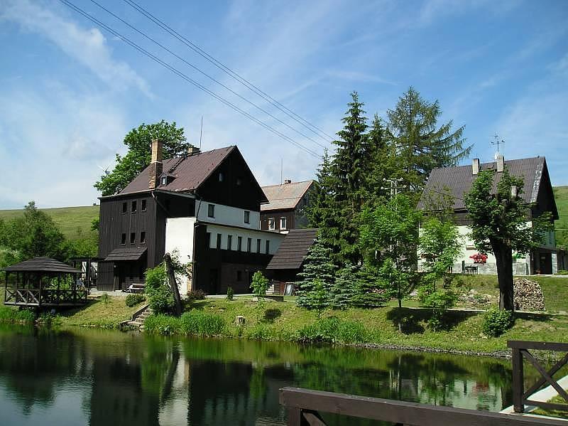 Maison de vacances am Teich mit Wellness für max. 24 Personen, Haj u Loucne, Erzgebirge Erzgebirge République tchèque