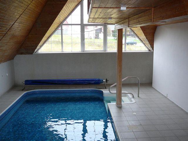 ferienhaus in horni mala upa riesengebirge mit whirlpool. Black Bedroom Furniture Sets. Home Design Ideas
