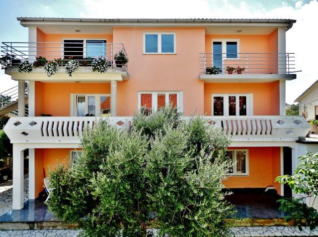ferienhaus ferienwohnung privat in kroatien tschechien frankreich. Black Bedroom Furniture Sets. Home Design Ideas