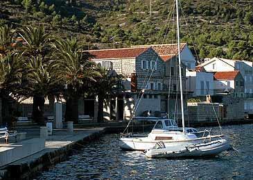 Ferienwohnung cetverokrevetni apartman in Vis, Insel Vis Mitteldalmatien Kroatien