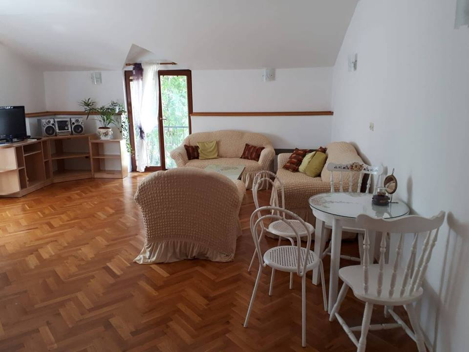 prázdninový  byt fur 6 Personen, mit Garten und Parkplatz, in der Mitte der Stadt,die alte Brucke ist 400 Meter, Mostar, Mostar Hercegovina Bosna a Hercegovina