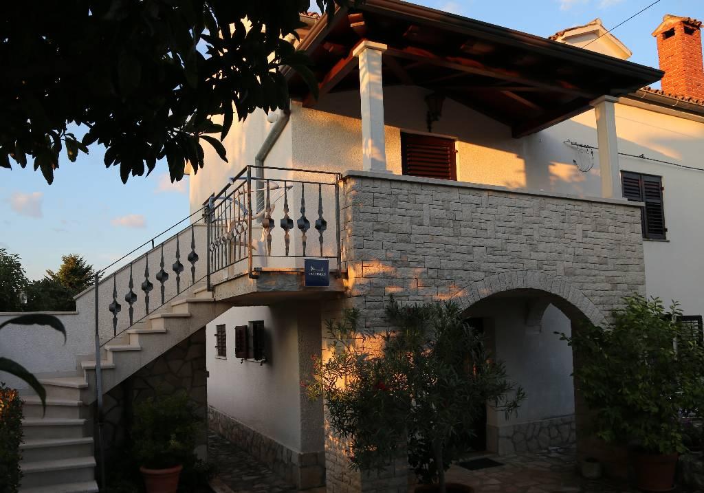 Appartement en location mit ueberdachten Balkon und Gemeinschaftsgarten, Strand- und Zentrumsnah gelegen, Funtana, Funtana Istrien Nordküste Kroatie