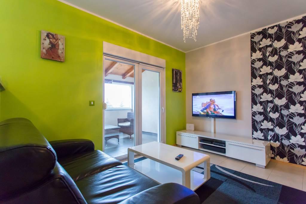 mieszkanie letniskowe moderne Fewo Luna, für 4-6 Personen mit Pool,Garten,Grill,Free Wlan,Hund willkommen, Poreč, Porec Istrien Nordküste Chorwacja
