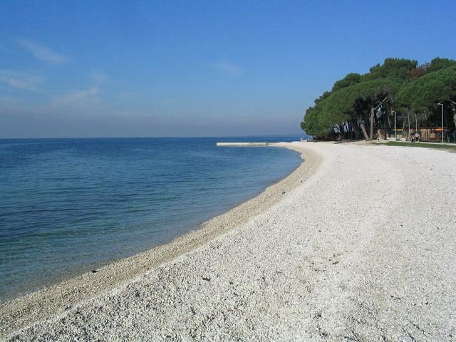 Apartment Holiday In Fazana Fazana With Sea Lake View