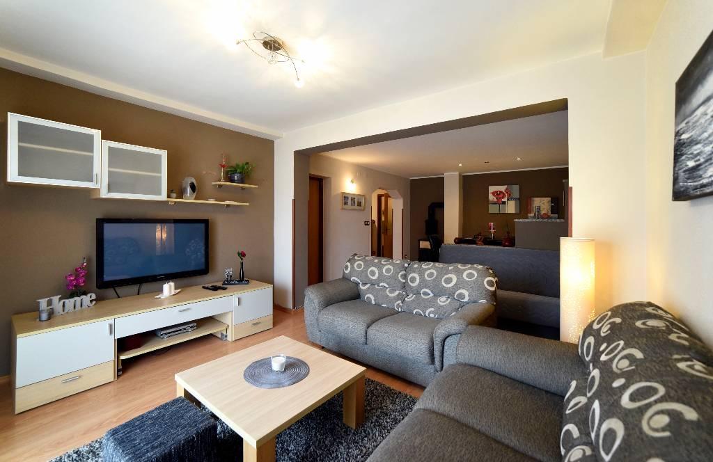 mieszkanie letniskowe Apartment 4 + 2 mit zwei Schlafzimmern. Das Hotel liegt 3-4 Minuten zu Fuß zum Meer, Stinjan, Pula Istrien Südküste Chorwacja