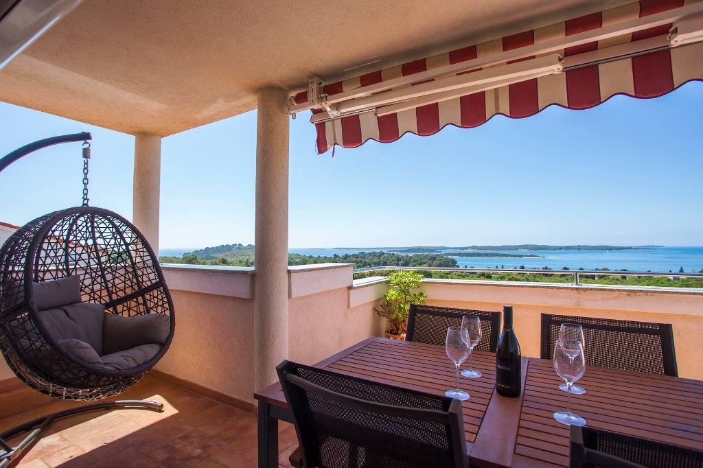 Appartamento di vacanze Apartment 4 + 2 mit zwei Schlafzimmern. Das Hotel liegt 3-4 Minuten zu Fuß zum Meer, Stinjan, Pula Istrien Südküste Croazia