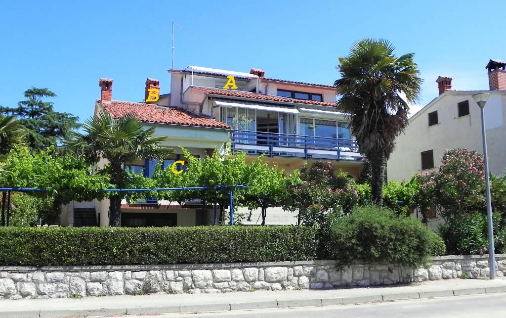 prázdninový  byt APP C-Corallo, am Strand mit Balkon und Panoramablick auf das Meer/ Stadt, WiFi, SAT TV,Safe., Rovinj, Rovinj Istrien Südküste Chorvátsko