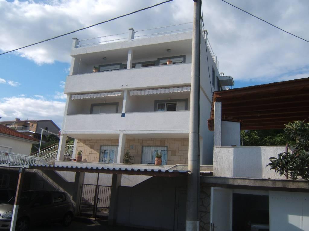 Appartement en location Apartment ist auf ersten Stock,hat schönne Meerblick,eigene Eintritt und Parkplatz mit Dach, Crikvenica, Crikvenica Kvarner Bucht Festland Kroatie