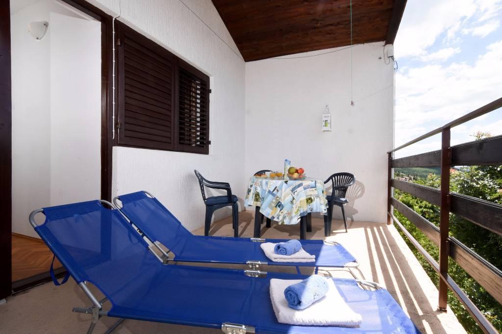 Appartement en location Das Apartment liegt 100 Meter von das Meer. Es gibt die Terrasse mit wunderschönen Seeblick, Ruhe, Jadranovo, Jadranova Kvarner Bucht Festland Kroatie