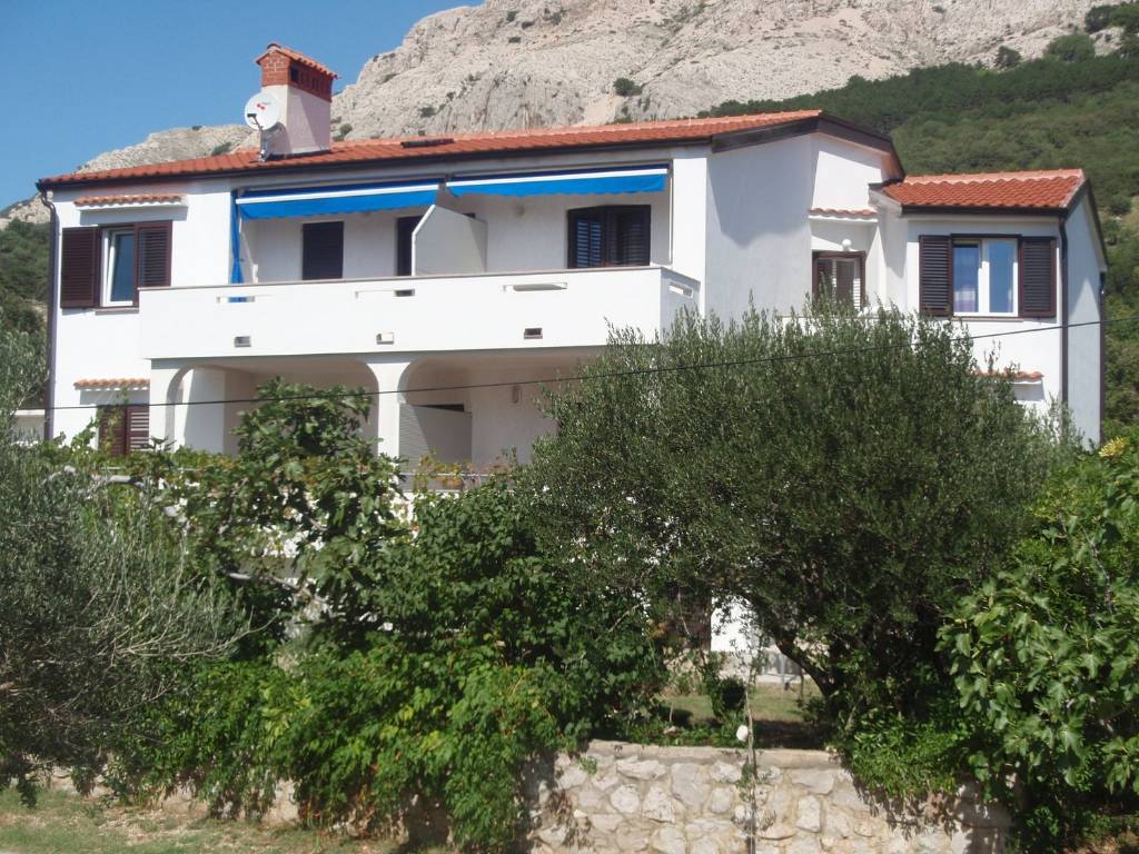 Atostogoms nuomojami butai Grosse Appartman mit 2 Schlafzimmer fur 4-5 Gaste, Terasse - Blick , Baška, Insel Krk Kvarner Bucht Inseln Kroatija