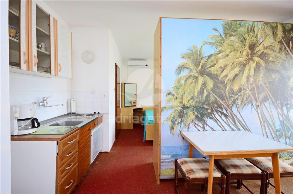 Atostogoms nuomojami butai radi se o app/studio za 2 osobe i pomocni lezaj,bracni krevet,kupaona i WC,kuhinjska nisa ,balkon po, Rab, Insel Rab Kvarner Bucht Inseln Kroatija