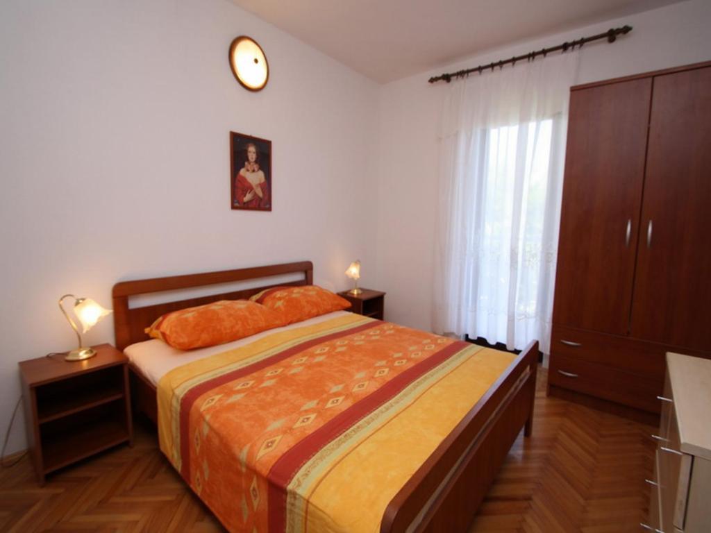 prázdninový  byt 4 Schlafzimmer - 50m vom Meer entfernt - 120m2 Wohnfläche - 2 Klimaanlagen - gratis WiFi, Trogir, Insel Ciovo Mitteldalmatien Chorvátsko