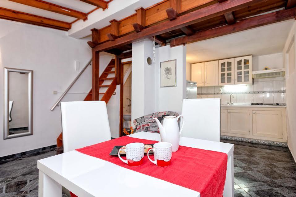 Apartmán Apartman je moderan .Smješten je na dvije razine.Kuhinja i wc su u prizemlju a soba na katu., Stari Grad, Insel Hvar Mitteldalmatien Chorvatsko