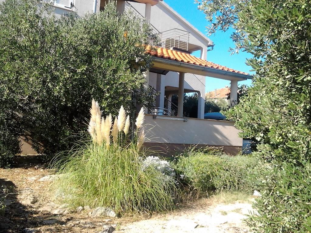 Appartement en location Studio, Wohnung 34m2 + Terrasse 12 m2, für 2 +1, Erdgeschoss, von einem mediterranen Garten umgeben., Murter, Insel Murter Mitteldalmatien Kroatie