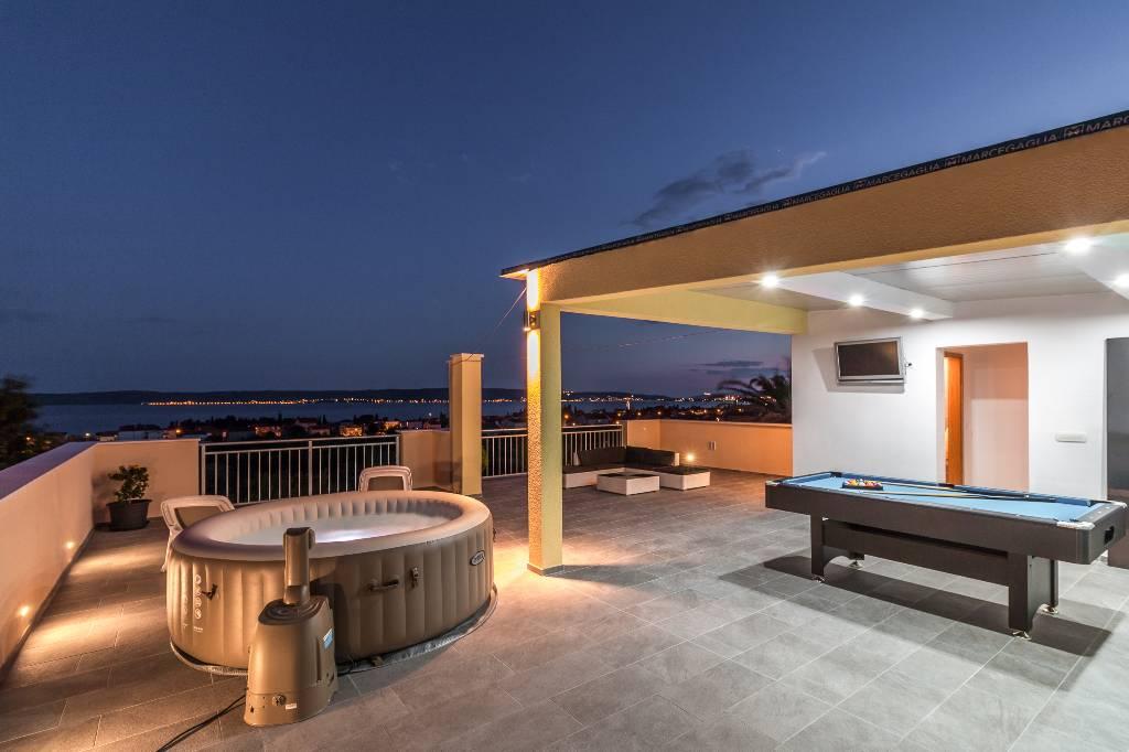 mieszkanie letniskowe Sonnige, ruhige Wohnung mit Dachterrasse, Kambelovac, Kastela Mitteldalmatien Chorwacja