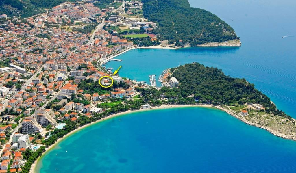 Atostogoms nuomojami butai Die Wohnung mit zwei Schlafzimmern mit Doppelbetten und ein zusätzliches Bett im Wohnzimmer., Makarska, Makarska Riviera Mitteldalmatien Kroatija