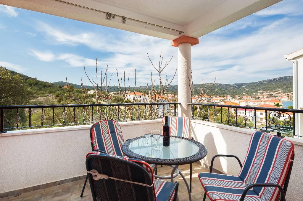 Apartmán Neue Wohnung, schön eingerichtet, großer Balkon, Privatsphäre., Vinisce, Marina Mitteldalmatien Chorvatsko