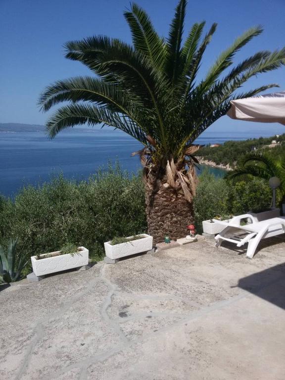 Apartmán smještaj je namjenjen za  obieljske posjete,u kojem će te se osječati ugodno ,domačinski,., Omiš, Omis Mitteldalmatien Chorvatsko
