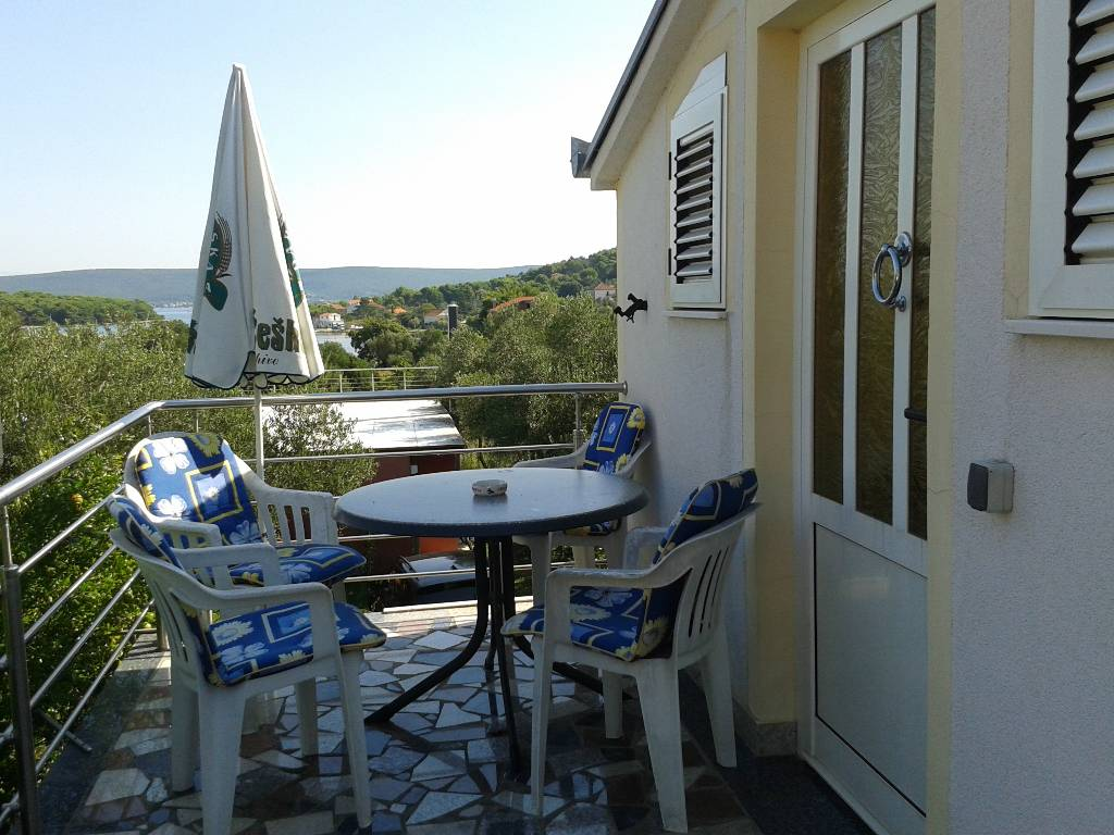prázdninový  byt Studio apartman na katu,terasa s pogledom na more, Pašman, Insel Pasman Norddalmatien Chorvátsko