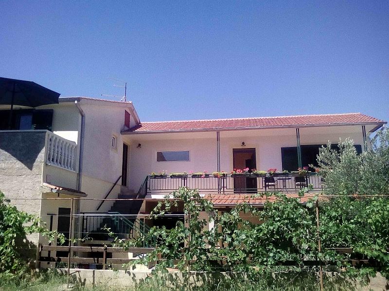 Apartmán Ferienwohnung A, Pirovac, Pakostane Norddalmatien Chorvatsko