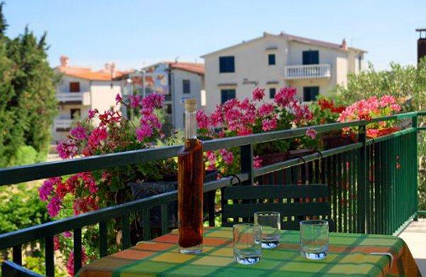prázdninový  byt Die Wohnung befindet sich in der Nähe des Sandstrandes Lolić und nur des Zentrums von Pirovac., Pirovac, Sibenik Norddalmatien Chorvátsko