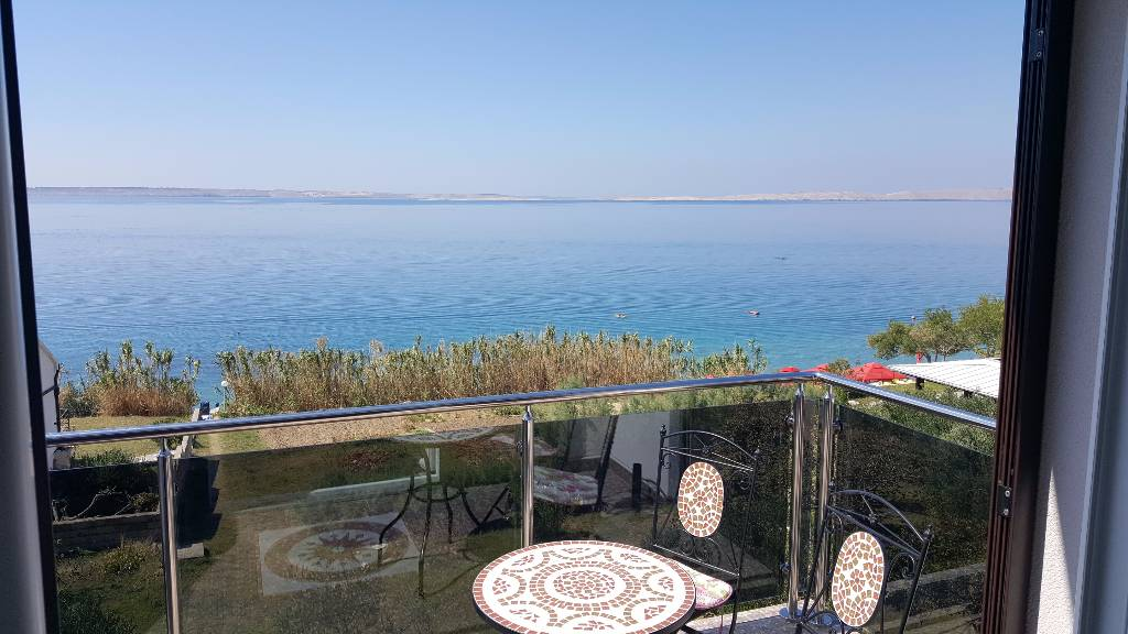 Atostogoms nuomojami butai Apartmans EUGEN ruhige lage direkt am Meer mit schöner Aussicht, Rtina Miletici, Zadar Norddalmatien Kroatija