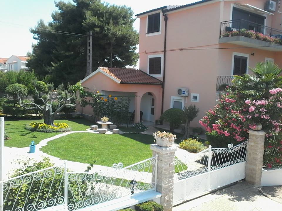 Atostogoms nuomojami butai apartmani Zlatka Srdarev, Vodice, Vodice Norddalmatien Kroatija