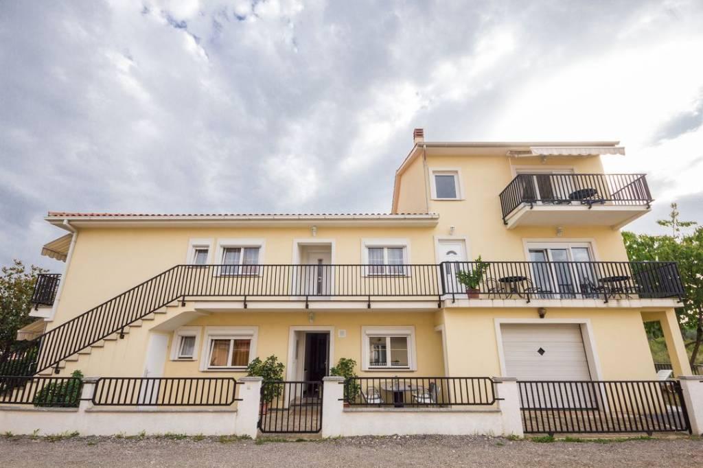 Camera per gli ospiti Das klimatisierte Zimmer bietet einen Balkon und Sat-TV, Dusche., Valbadon, Fazana Istrien Südküste Croazia
